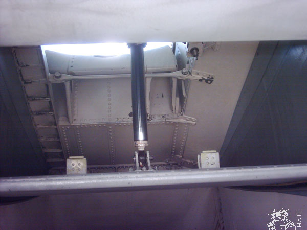 f14-detail-airintake-11l.jpg